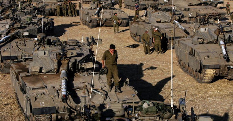 Israeli army tanks deploy 26 June 2006 n