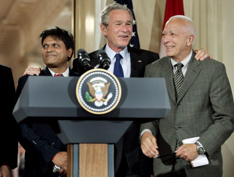 Richard Benedetto, George W. Bush, Raghubir Goyal