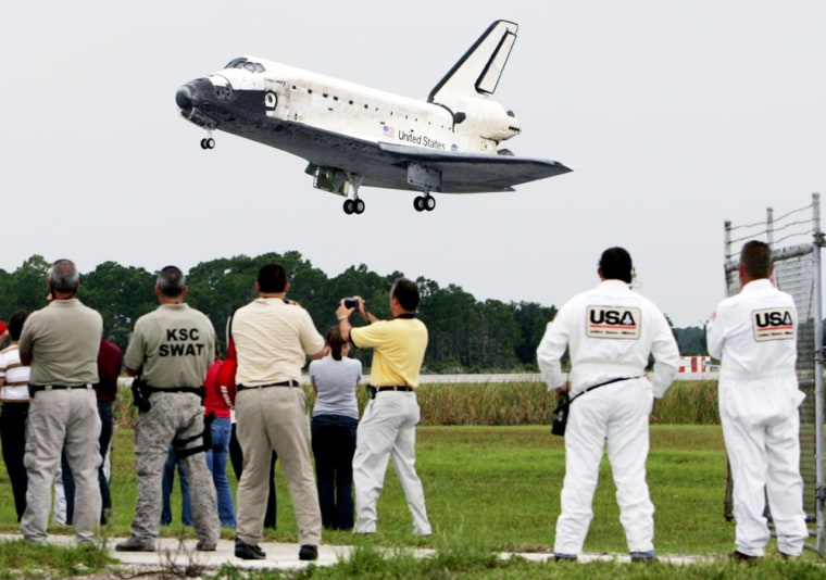Space shuttle Discovery returns to Kennedy Space Center
