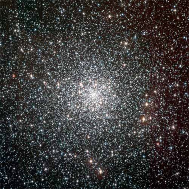 The globular cluster NGC 6397 contains around 400,000 stars and is located about 7,200 light-years away in the constellation Ara. With an estimated age of 13.5 billion years, it is likely among the first objects of the Milky Way to form after the Big Bang.