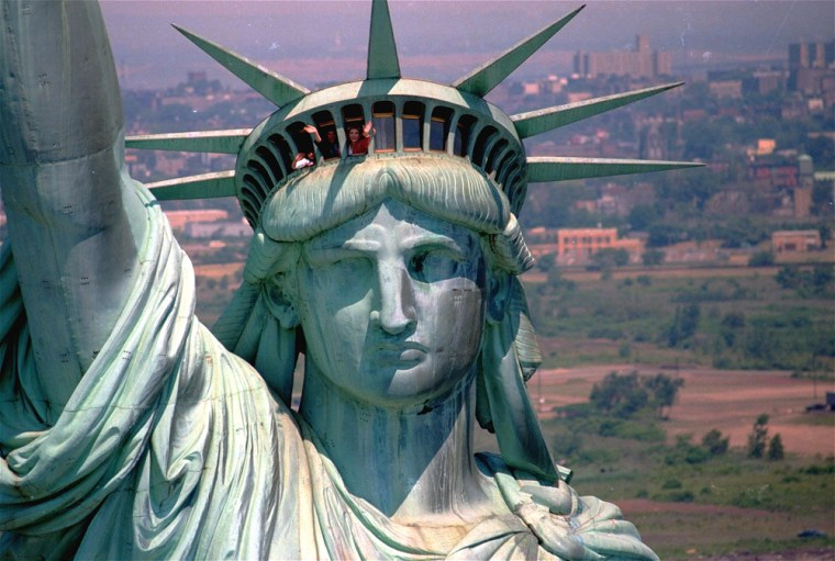 The U.S. Park Service closed down thecrown of the Statue of Liberty following the 9/11 attacks, but nowCongress would like to see it reopened to tourists.