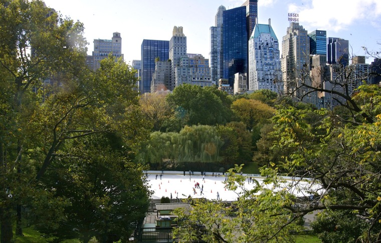 Central Parks Wollman Skating Rink Opens For The Season