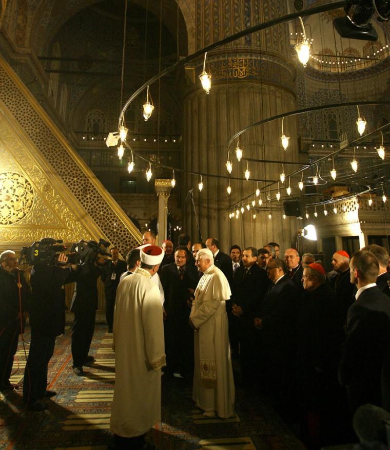 Pope Benedict XVI visits the Blue Mosque