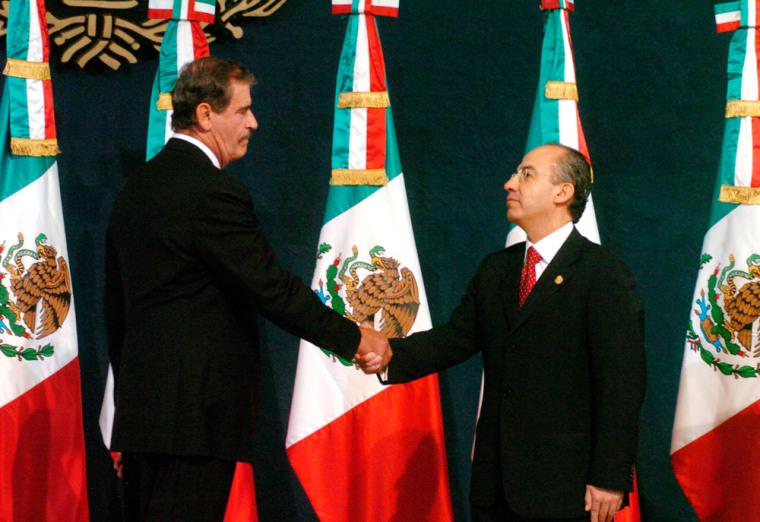FELIPE CALDERON TAKES POWER AS MEXICO'S PRESIDENT BY SURPRISE