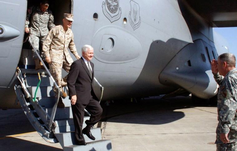 US Defense Secretary Gates arrives in Baghdad