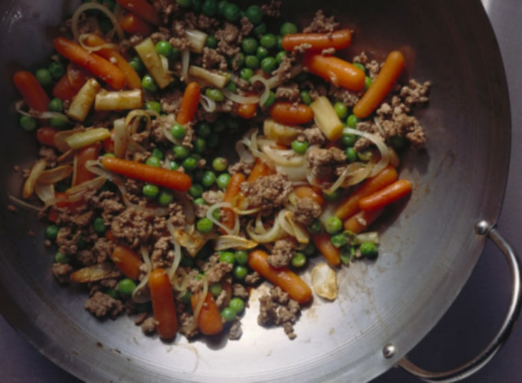 Stir-fryingrelies onhigh temperatures, but vegetables are chopped into relatively small pieces. This means quicker cooking and a minimal loss of heat-sensitive nutrients.