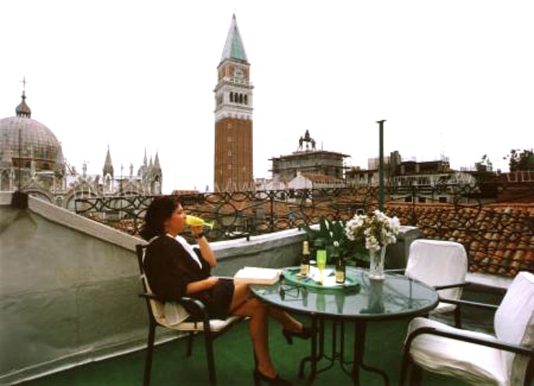 Hotel Ai Do Mori, located in the heart of Venice, offers a cozy family atmosphere featuring bright and welcoming rooms, most witha view of San Marco's bell tower.