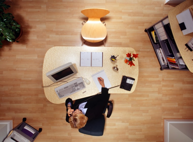 People with desk jobs may pack on the pounds because they get so littlephysical activity during the day, fitness experts say.