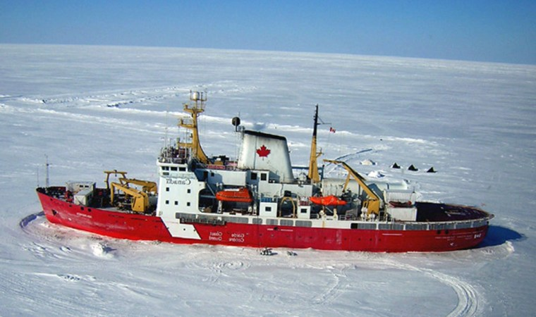 Researchers have their eyes on using this Canadian icebreaker, the Amundsen, to study global warming in the Arctic seas starting in October.