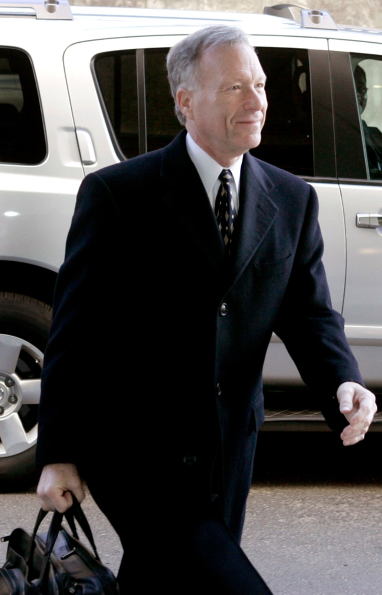 Scooter Libby arrives at the U.S. Federal Court in Washington