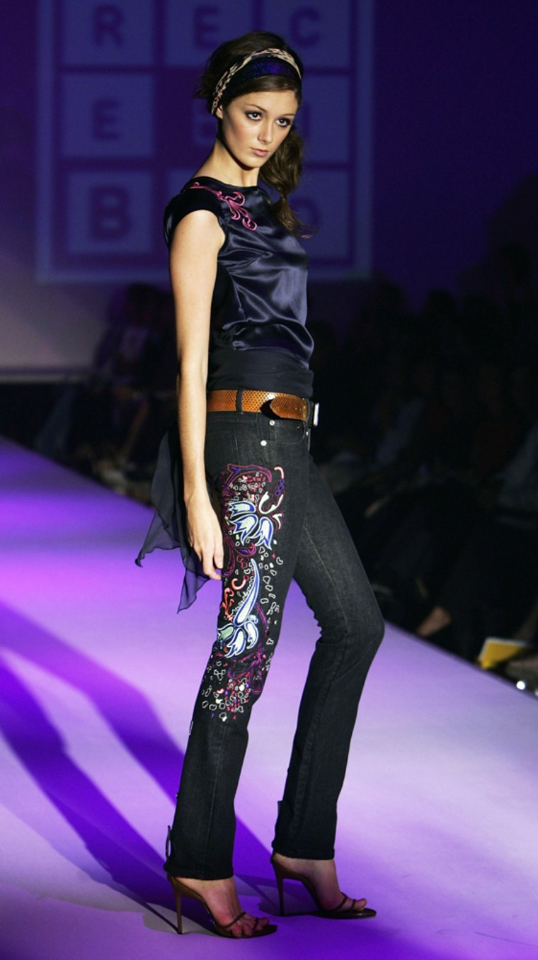 Ready To Wear 6: Runway - Mercedes Australian Fashion Week