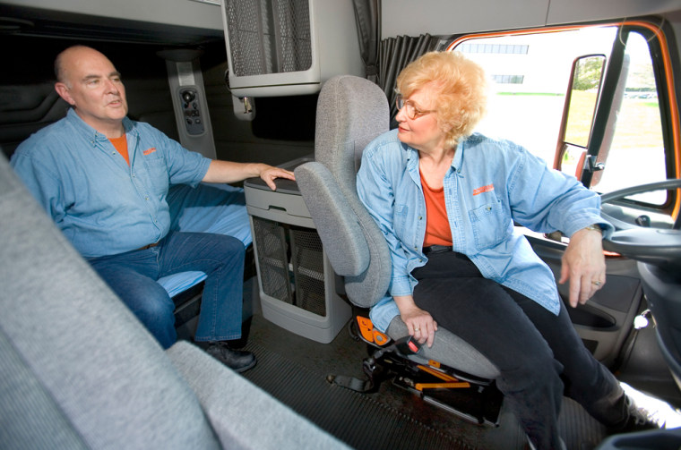 Schneider National drivers Joey and Terri Lynch made more than $100,000 last year sharing a long-haul trucking job.