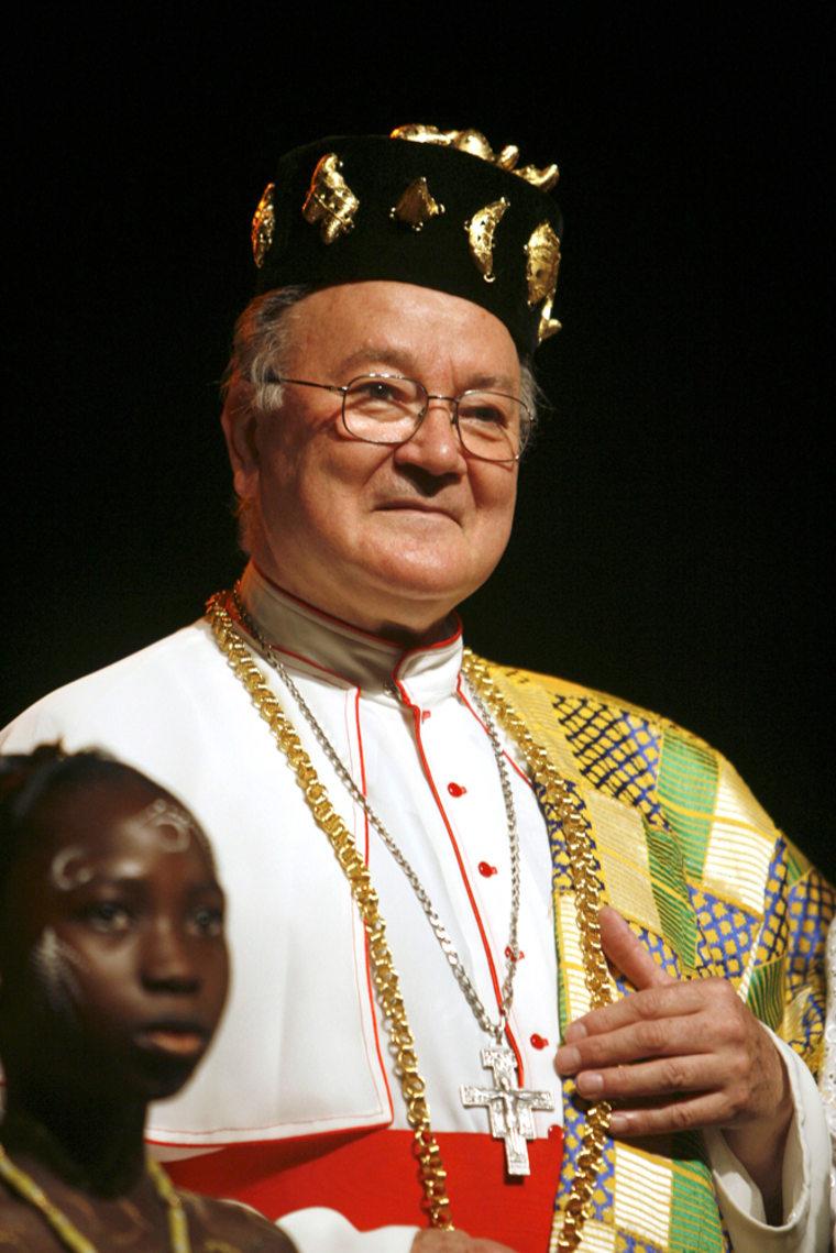 Cardinal Renato Raffaelle Martino visits the culture palace in Abidjan