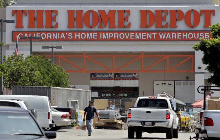 Home Depot spokesman Ron DeFeo said day labor concerns have arisen in only a only small percentage of the company's roughly 2,200 stores. In those cases, he said, the company works with local officials to develop solutions.