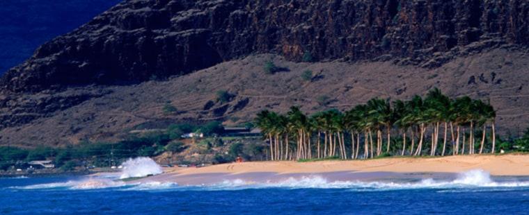 Oahu - Oahu: beach and mountains near Waianae