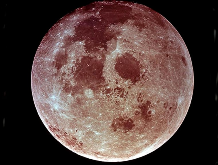 This weekend's full moon willhang lower in the sky,making it seem biggerthan any otherthis year.