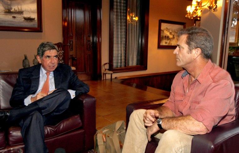 Oscar Arias, Mel Gibson
