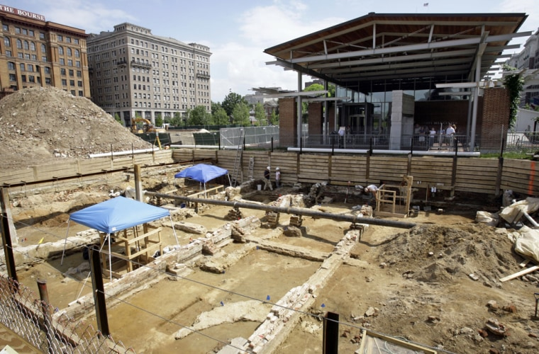 ** FOR IMMEDIATE RELEASE--FILE  **Shown are the remains of buildings including the house George Washington lived in when he was president at the sight of an archaeological dig in front of the Liberty Bell Center, top right, in Philadelphia, in this June 5, 2007, file photo. Archaeologists unearthing the buried remains of Washington's presidential home have discovered a hidden passageway and other ruins, still intact, used by his nine slaves. (AP Photo/Matt Rourke/FILE)