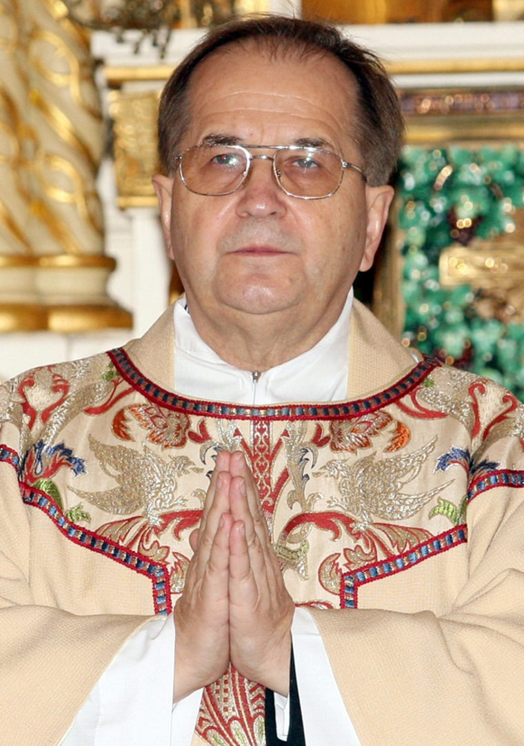 File photo of Father Tadeusz Rydzyk conducting a mass at a church in Chicago