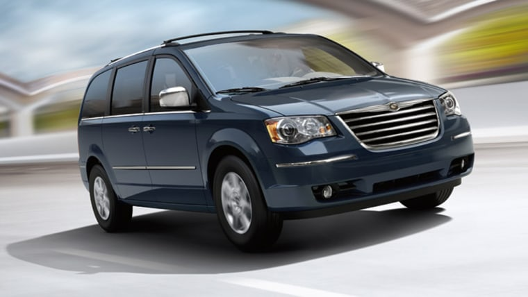 The Town & Country packs more luxury and comfort perdollar than any othercar on the road, our reviewer says.
