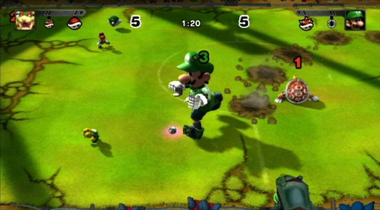 Luigi goes mega after popping a mushroom power-up.