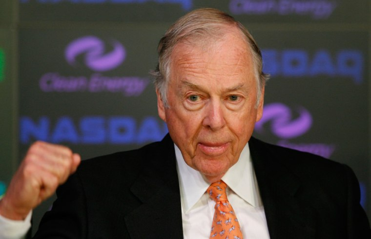 """""""I think that Yahoo management was pathetic,"""" T. Boone Pickens told a newspaper about handling of an attempted acquisition by Microsoft."""
