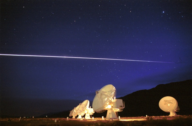 Image: shuttle Columbia passes over the Owens Valley Radio Observatory