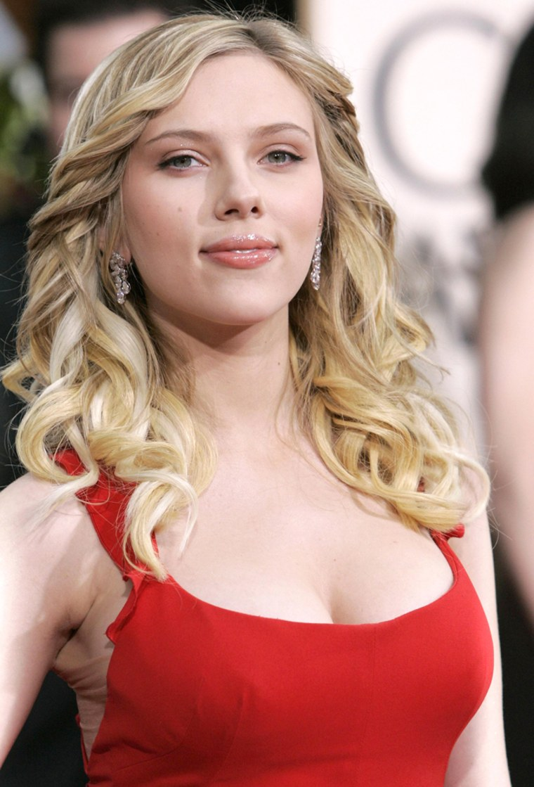Actress Scarlett Johansson arrives at the 63rd Annual Golden Globe Awards in Beverly Hills