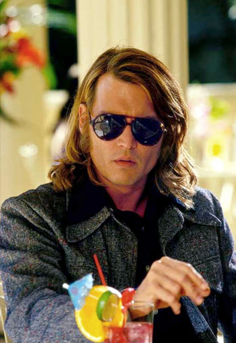 Blow - - 2001 - - The story of George Jung, the man who established the American cocaine market in the 1970's.