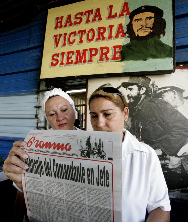 Image: CUBA CASTRO STEPS DOWN