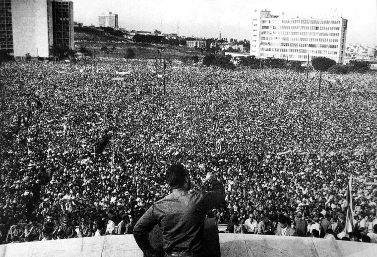 1960 Fidel speaking before millions, (Raul Corrales.)IMG_0111.J