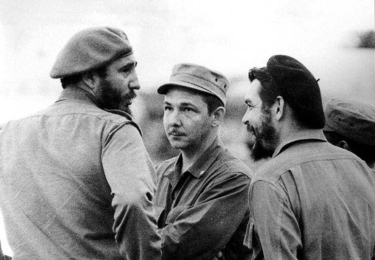 1963 Fidel,Raul and CHE, (Osvaldo Salas).IMG_0125.JPG