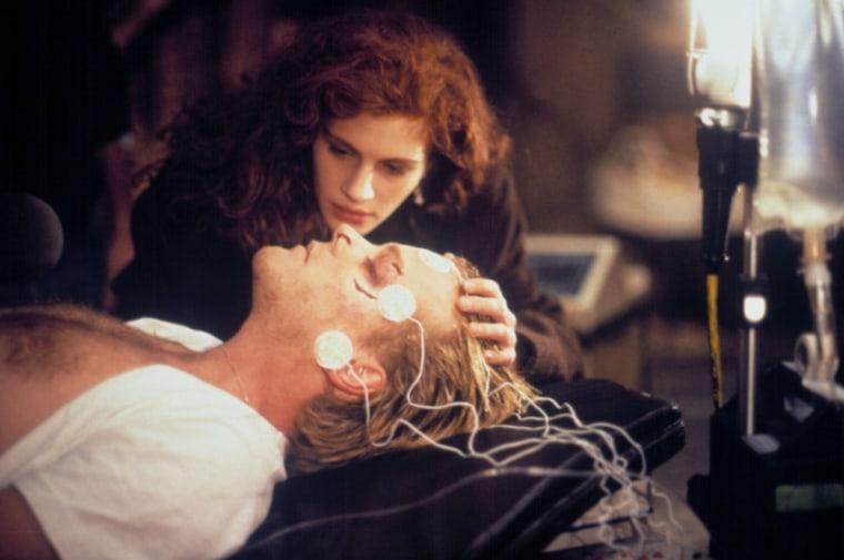 FLATLINERS, Julia Roberts, Kiefer Sutherland, 1990