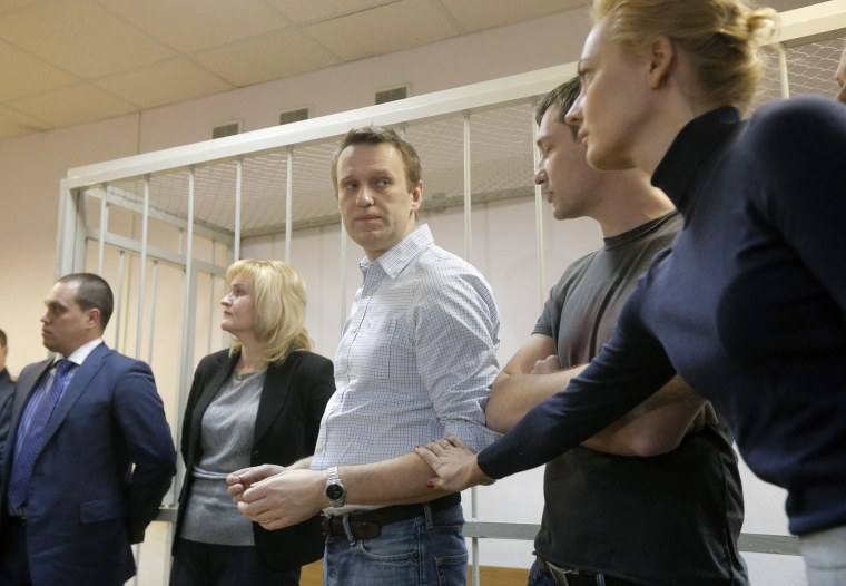 Image: Russian court gives suspended sentence to opposition leader