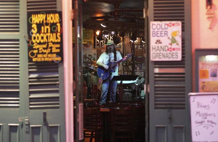 Image: Musician in bar on Bourbon Street