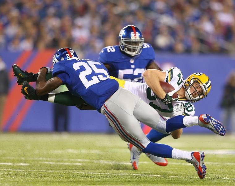 Image: Football players collide