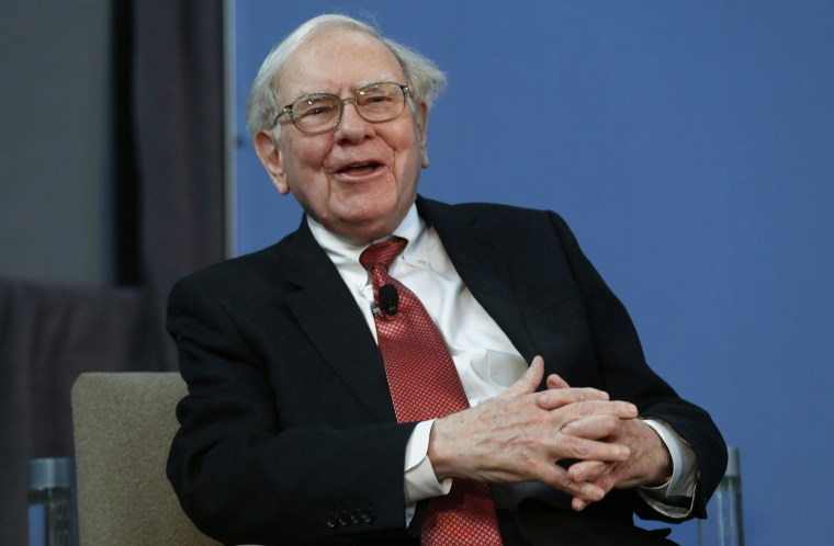 Warren Buffett has a big lead in a bet that tests whether a low-fee stock index fund does better than experts over 10 years.