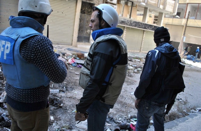 Humanitarian Groups Rescue 600 From Besieged Syrian City