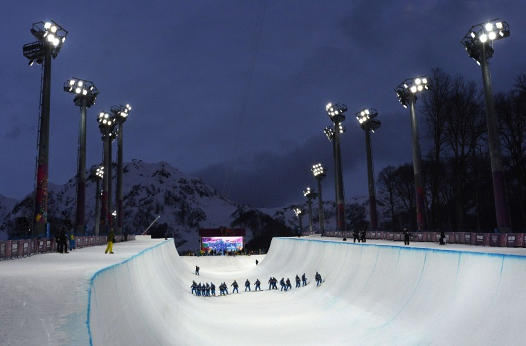 Image: TOPSHOTS-OLY-2014-SNOWBOARD-HALFPIPE-MEN-TRAINING