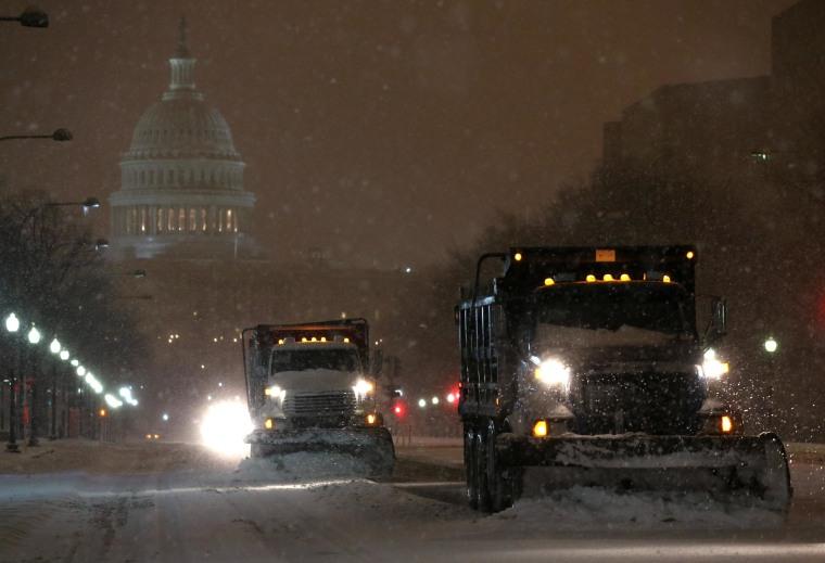 Image: Washington DC Copes With Messy Winter Storm