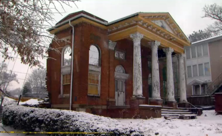 Craigie House in Atlanta collapsed under the weight of snow and ice.