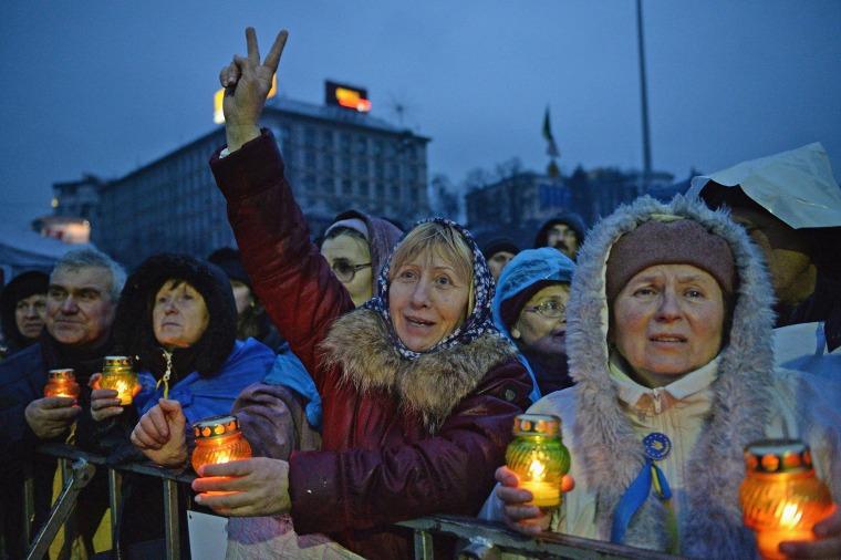 Image: Ukrainian MPs Vote To Oust President Viktor Yanukovych