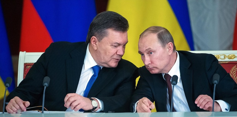 Image: Russian President Vladimir Putin Meets Ukrainian President Victor Yanukovych