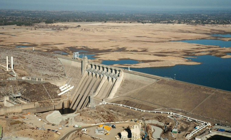 Image: Northern California's Folsom Lake on January 16, 2014.