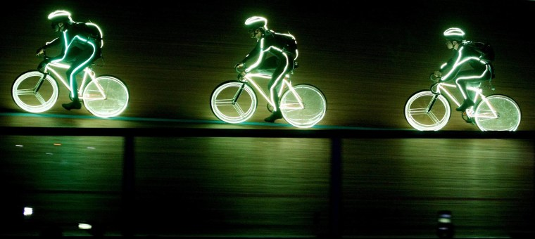 Cycling in the Dark: World Championship Lights Up Track Racing