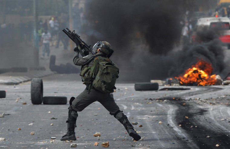 Image: West Bank clashes erupt after Palestinian detainee funeral