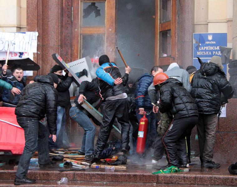 Image: UKRAINE-POLITICS-UNREST-RUSSIA-KHARKIV