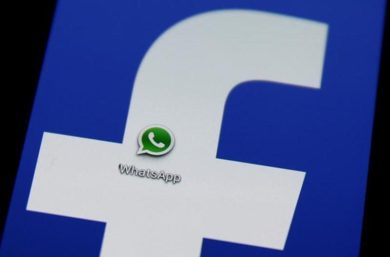 Image: WhatsApp icon on smartphone