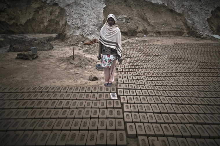 Image: Women at a brick factory in Pakistan