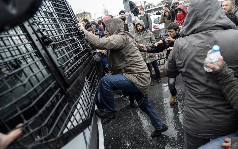 Image: TOPSHOTS-TURKEY-POLITICS-UNREST